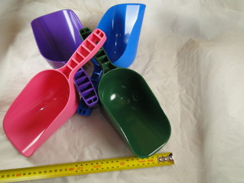 Food scoop coloured